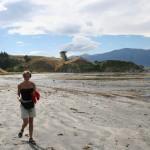 Härlig vandring på stranden längs Waiopuka Bay i Kaikoura